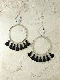 Посеребренные крупные <b>серьги</b>-<b>кольца с черными</b> кисточками ...