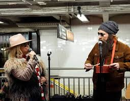 Alanis Morissette & Jimmy Fallon As Subway Carolers Is a Merry ...