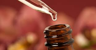 <b>Lavender Oil</b> for Skin: Uses and Benefits