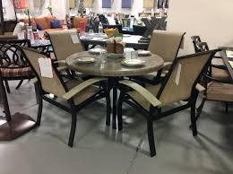 tables dining breezesta