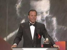 <b>Julio Iglesias</b> Wins Favorite Latin Artist - AMA 1998 - YouTube