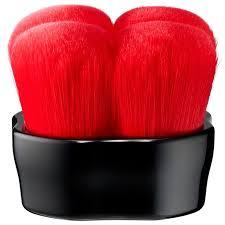 Finish the look with the <b>Shiseido Hanatsubaki Hake Polishing</b> Face ...