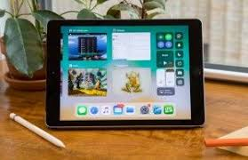 <b>Apple iPad</b> 9.7-inch (2018) - Full Review <b>and</b> Benchmarks | Laptop ...