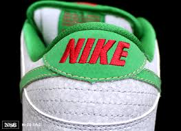 "> Nike SB Dunks Low ""Medusa"" Matte Silver/Green/Varsity Red - Photo posted in Kicks @ BX  (Sneakers & Clothing) 