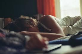 Resultado de imagem para imagens de meninas tentando dormir