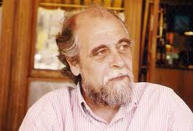 El poeta José Luis Parra. Recomendar en Facebook 0. Twittear 0. Enviar a LinkedIn 0. Enviar a Tuenti Enviar a Menéame Enviar a Eskup - 1351093536_587052_1351094455_noticia_normal