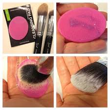 makeup brush cleaning pad use sephora cleaning pad to clean all you makeup brushes it 39 s