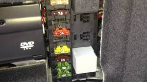 mercedes benz w211 e500 fuel pump relay and fuse location