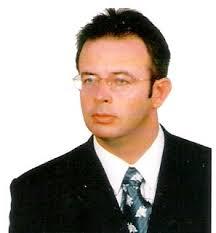Dr Krzysztof Borowski jest absolwentem Wydziału Fizyki UW oraz kierunków: Finanse i bankowość oraz Zarządzanie i marketing na SGH. - krzysztofBorowski