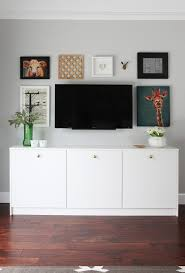 Hide Tv In Wall Hide The Cables Behind A Wall Mounted Tv
