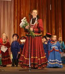 Хормейстер ансамбля казачьей песни «Чарочка» <b>Светлана</b> ...