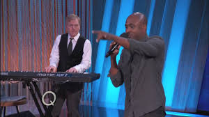 Wayne Brady Improvises For the Audience | The Queen Latifah Show