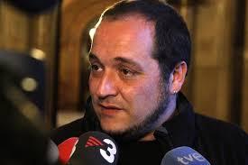 Amb aquestes paraules el portaveu de la CUP al Parlament, David Fernández, ha qualificat aquest divendres la decisió del president, Artur Mas, ... - David-Fernandez-CUP-Parlament-ACN_ARAIMA20130315_0164_3
