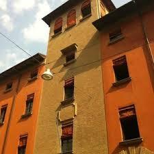 Башни Болоньи - достопримечательности города Болонья, Италия