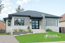 House plan W detail from DrummondHousePlans com    front Single storey  well fenstrated  bedroom  Contemporary house plan   Lotus