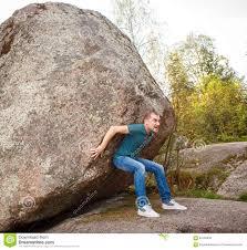 Resultado de imagen de Empujar un bloque de piedra