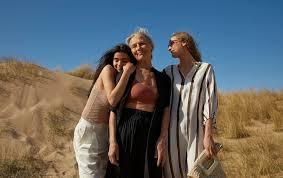 Scandinavian <b>fashion</b> online | Lindex Europe