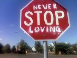 7 Cara Mudah Menunjukan Cinta Kepada Pasangan Kita