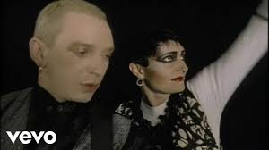 <b>Siouxsie And The</b> Banshees - The Passenger - YouTube