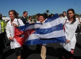 Más cooperantes cubanos a zonas inundadas