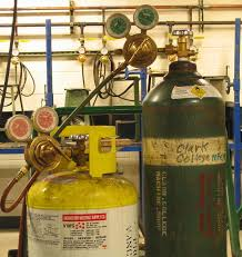 <b>Pressure regulator</b> - Wikipedia