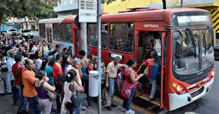 Resultado de imagem para transporte publico fotos