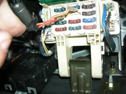 found some weird wiring in my fuse box club lexus forums i ve had my 93 gs for almost 2 years now and today the fuse box cover under the dash fell off so i took a look down there and this is what i found