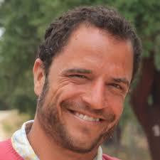 Carlos Cabrera Naranjo ese licenció en Ciencias del Mar en la Universidad de Las Palmas de Gran Canaria, graduado superior en Meteorología y Climatología ... - Carlos-Cabrera-Naranjo