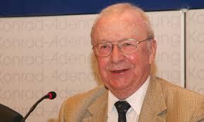 Der Zeitungsverleger Klaus Detjen moderierte die Podiumsdiskussion.