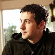 Now that the new Digg has launched, giving the site a new lease on life, Digg founder Kevin Rose decided it was time to finally address the many questions ... - 353179-kevin-rose