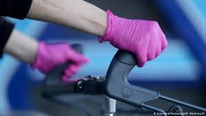 Почему одноразовые <b>перчатки</b> не защищают от коронавируса ...