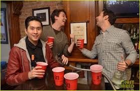 miles teller skylar astin com exclusive interview miles teller skylar astin com exclusive interview photo 2822990 21 over justin chon miles teller skylar astin pictures just jared