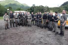 Resultado de imagem para cerco policial