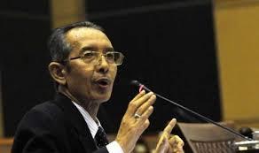 ID, JAKARTA -- Juru bicara Perhimpunan Pergerakan Indonesia (PPI), Mu'min Murod Albarbasy juga menuding Wakil Ketua Komisi Pemberantasan Korupsi (KPK), ... - wakil-ketua-kpk-zulkarnain-_120503131500-969