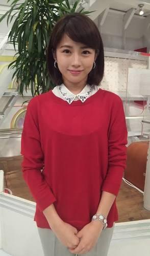 赤いカーディガンの田中萌