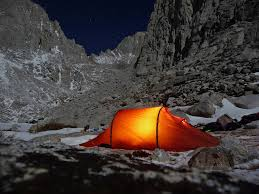 Essential_items_for_being_lost_in_the_mountains
