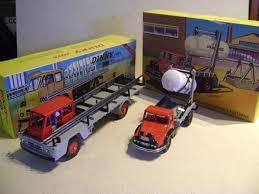 <b>Dinky Toys Atlas</b> - 1:43 - <b>885</b> Camion Saviem Porte-FER & 805 ...