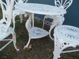 cast iron outdoor furniture style