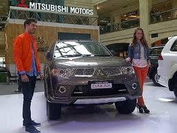 VIDEO SPESIFIKASI HARGA PAJERO SPORT LIMITED TERBARU 2013 Mitsubishi meluncurkan Pajero Sport Limited 5 Fitur