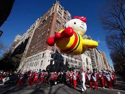 thanksgiving day essayessay  macy    s thanksgiving parade returns to new york photo essay  macy    s thanksgiving parade returns