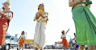 Cambodian New Year parade resumes in Long Beach after 3-year ...
