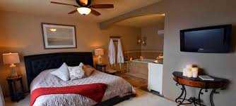 <b>Stone Lion</b>® Bed and Breakfast - Isanti, MN