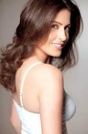 Weekend Exclusive | In conversation with multifaceted & glamorous Amrita Raichand - 52408_amrita-raichand