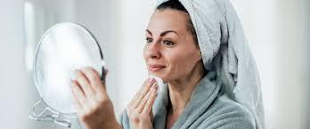5 проверенных аптечных средств для очищения кожи <b>лица</b>