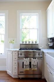 kitchen walls shoise imposing  paint colors we love in the kitchen kitchen inspiration the kitchn cr