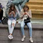 Teens Glued to Smartphones are Unhappy