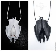 кулон - <b>Летучая</b> мышка (с изображениями) | Кожаные подарки ...