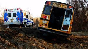 tennessee bus driver asked kids are you all ready to die before 70 year old bus driver credited saving students after semi crashes into school bus