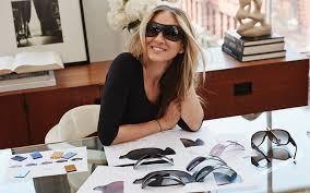 <b>SARAH JESSICA PARKER</b> & SUNGLASS HUT | Luxottica