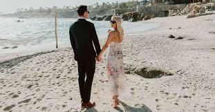 A Guide <b>to</b> Beach Wedding <b>Attire</b> for Men and Women